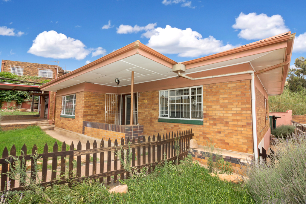 3 BedroomHouse For Sale In Townsview