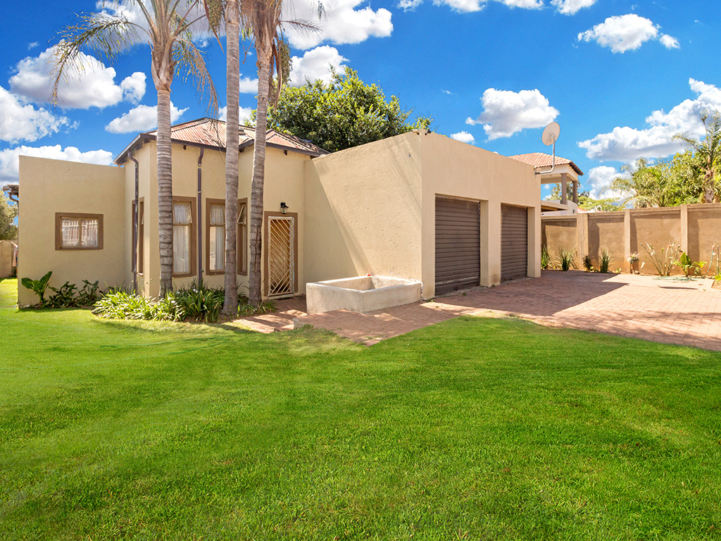 3 Bedroom House for sale in The Reeds LH-6876 : photo#0