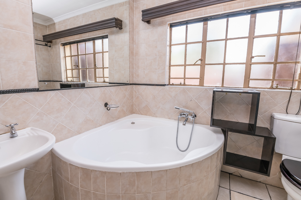 3 Bedroom House for sale in The Reeds LH-6892 : photo#27