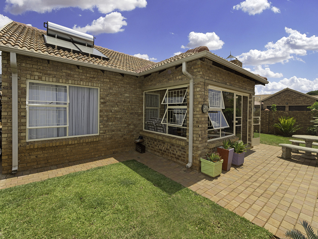 3 BedroomHouse For Sale In Theresapark