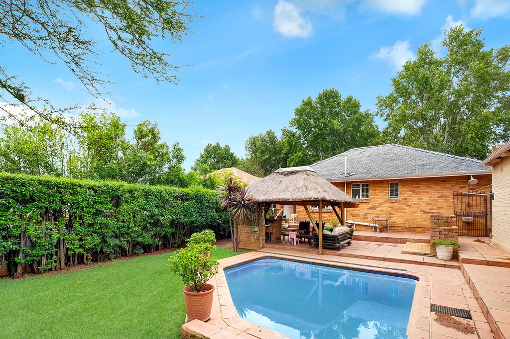 3 BedroomHouse For Sale In Highlands North