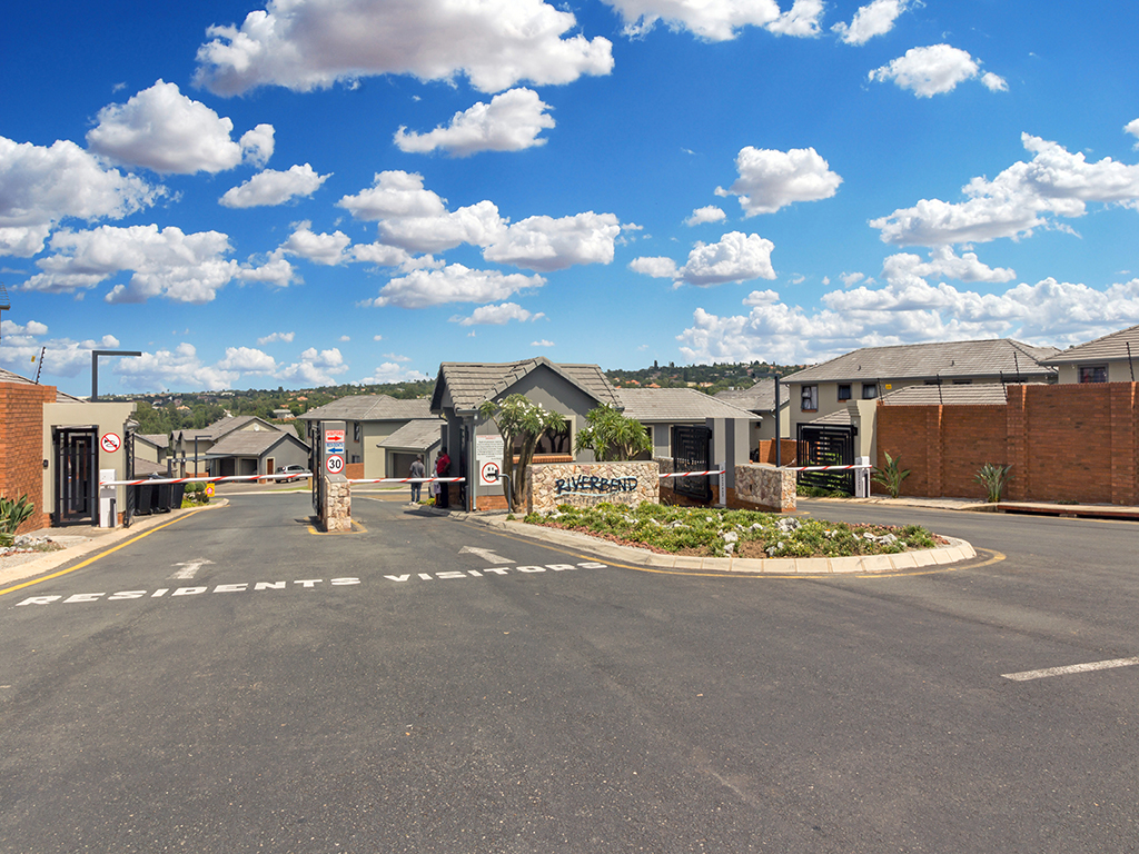 3 BedroomTownhouse For Sale In Kyalami Hills