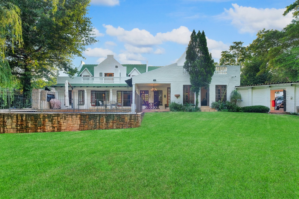 4 BedroomHouse For Sale In Morningside Manor