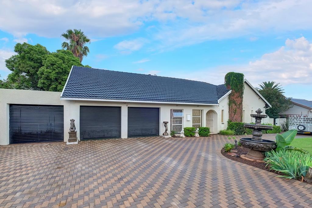 3 BedroomHouse For Sale In Petersfield