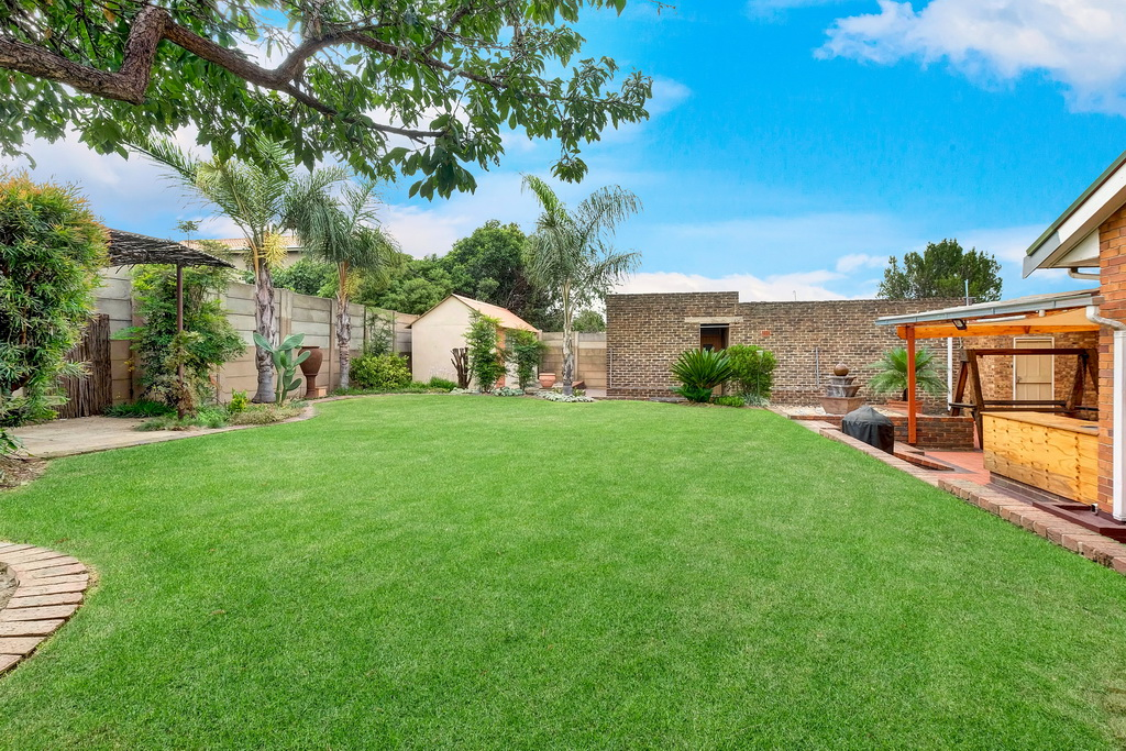 3 Bedroom House for sale in South Crest LH-7920 : photo#16