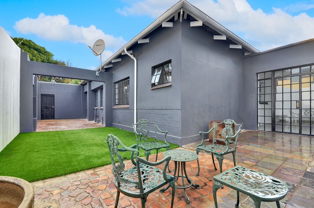 3 BedroomHouse For Sale In Norwood