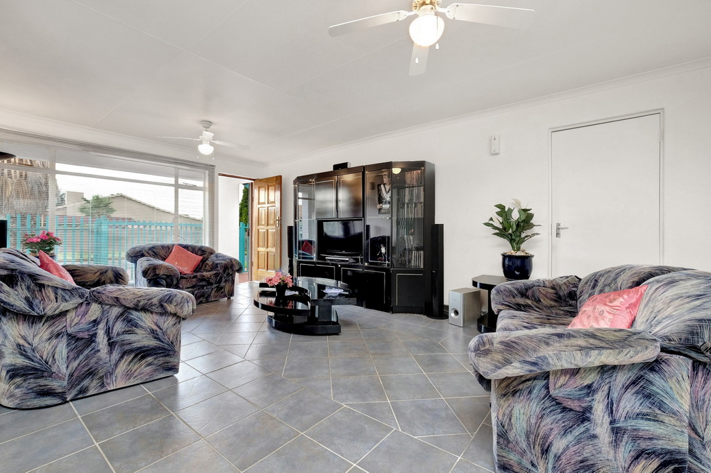 3 Bedroom House for sale in Minnebron LH-8424 : photo#4