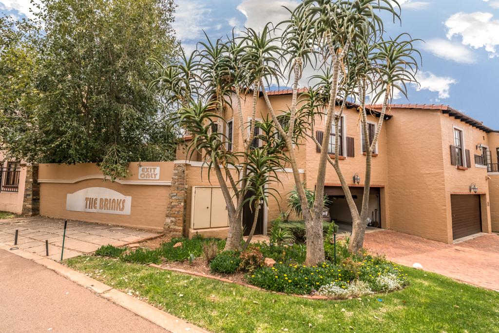3 BedroomHouse For Sale In Country View Estate