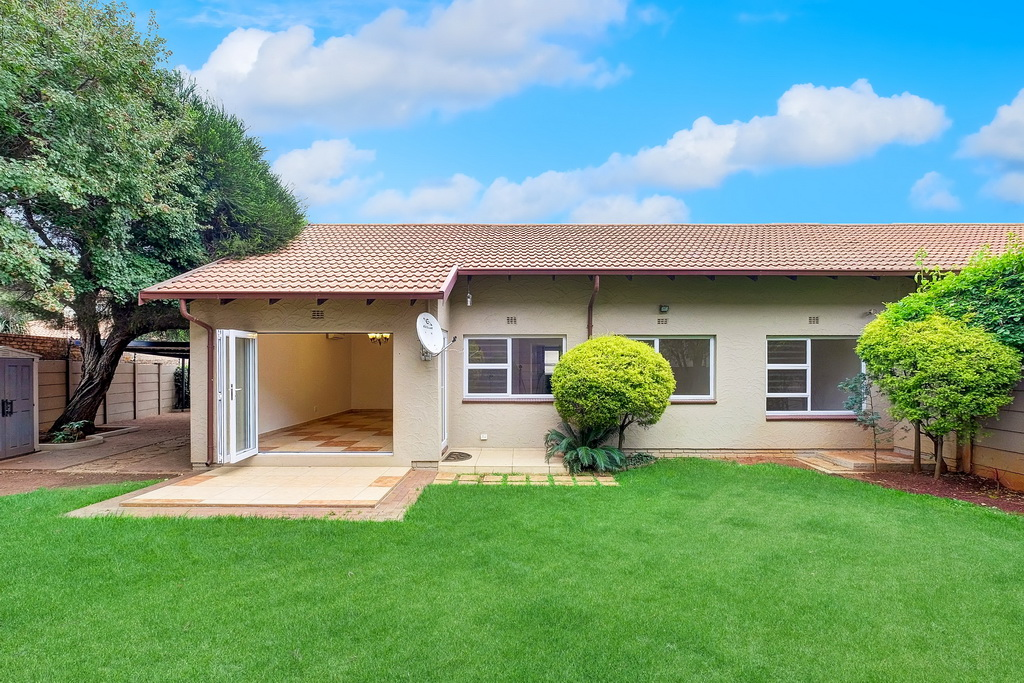 3 BedroomTownhouse For Sale In Parkrand