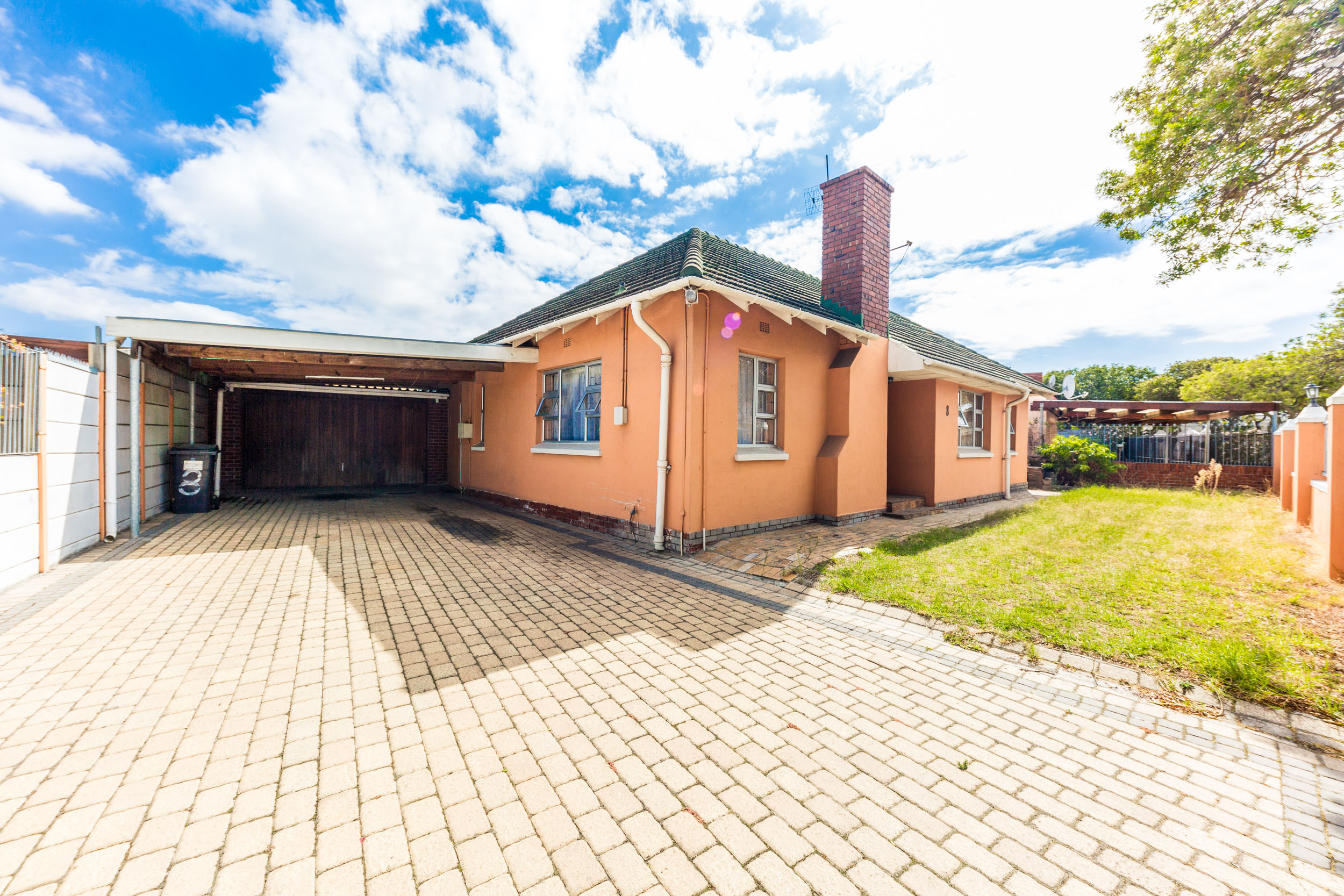 4 Bedroom House for sale in Thornton LH-9126 : photo#1