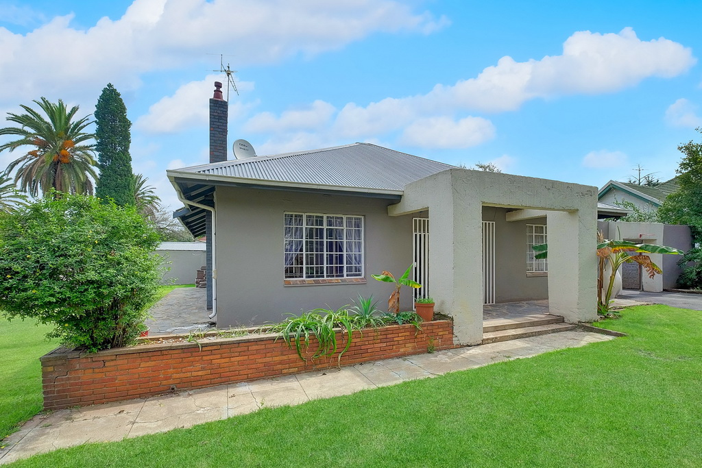 2 BedroomHouse For Sale In Plantation