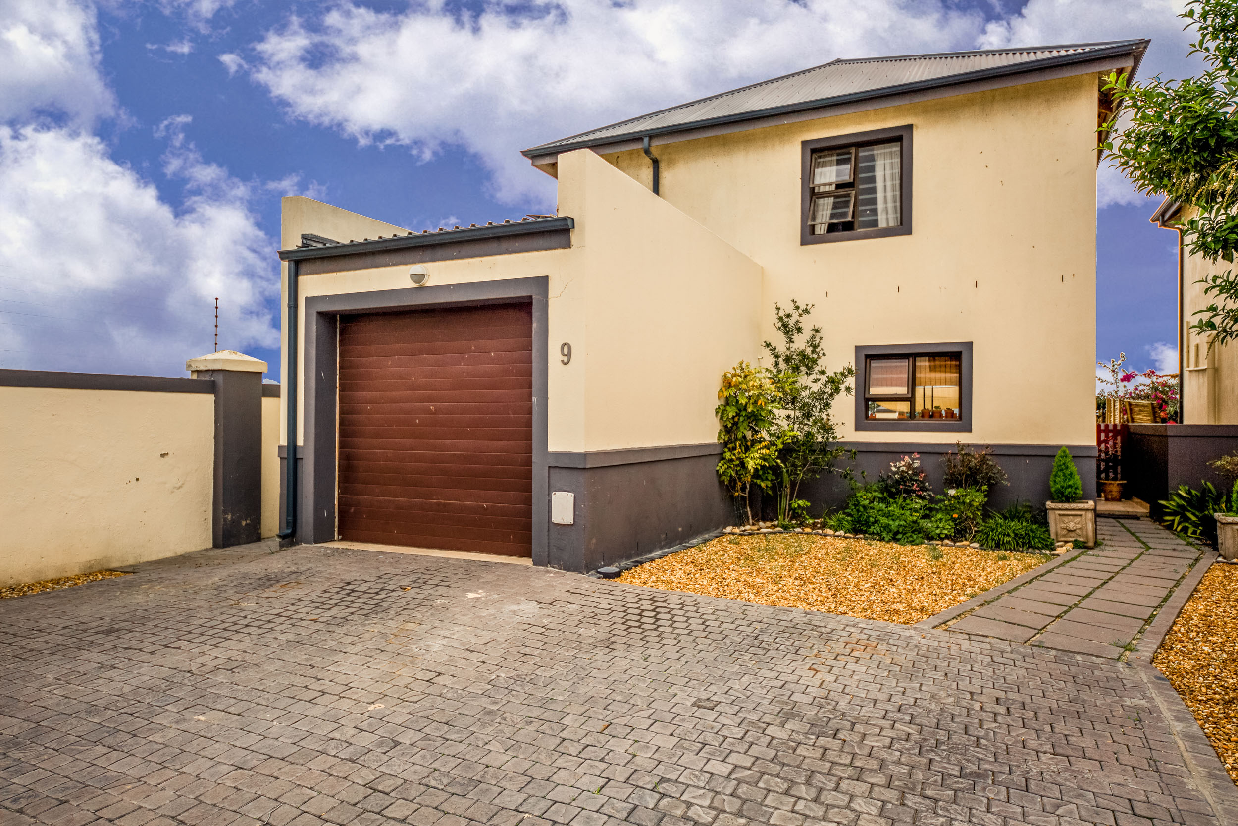 2 BedroomTownhouse For Sale In Burgundy Estate