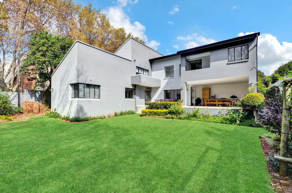 4 BedroomHouse For Sale In Parkview