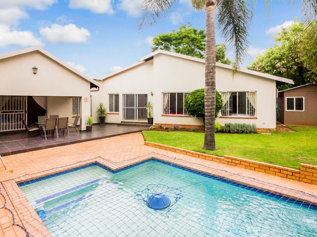 3 BedroomHouse For Sale In Randpark Ridge