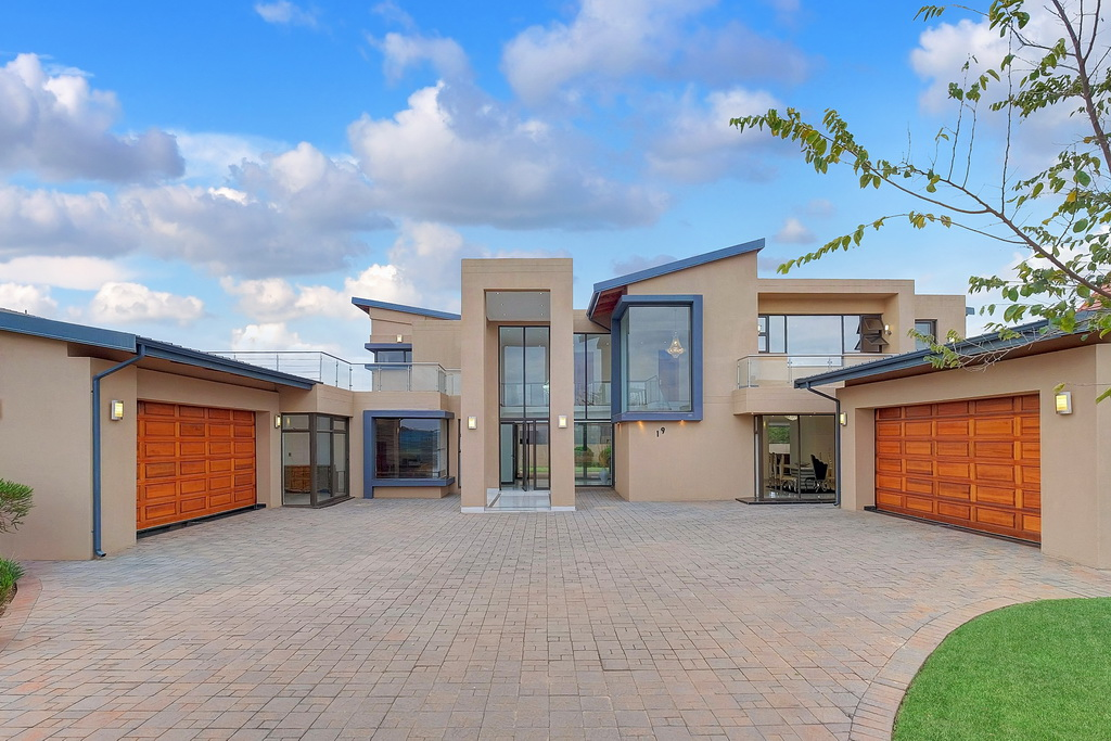 5 BedroomHouse For Sale In Serengeti Golf And Wildlife Estate