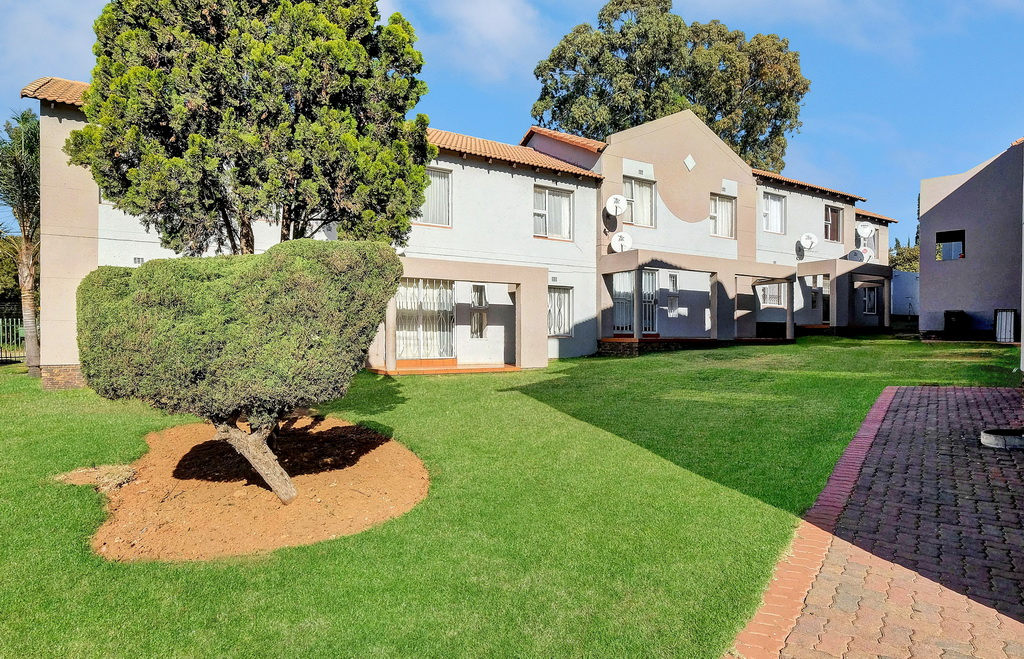2 BedroomApartment For Sale In Meredale