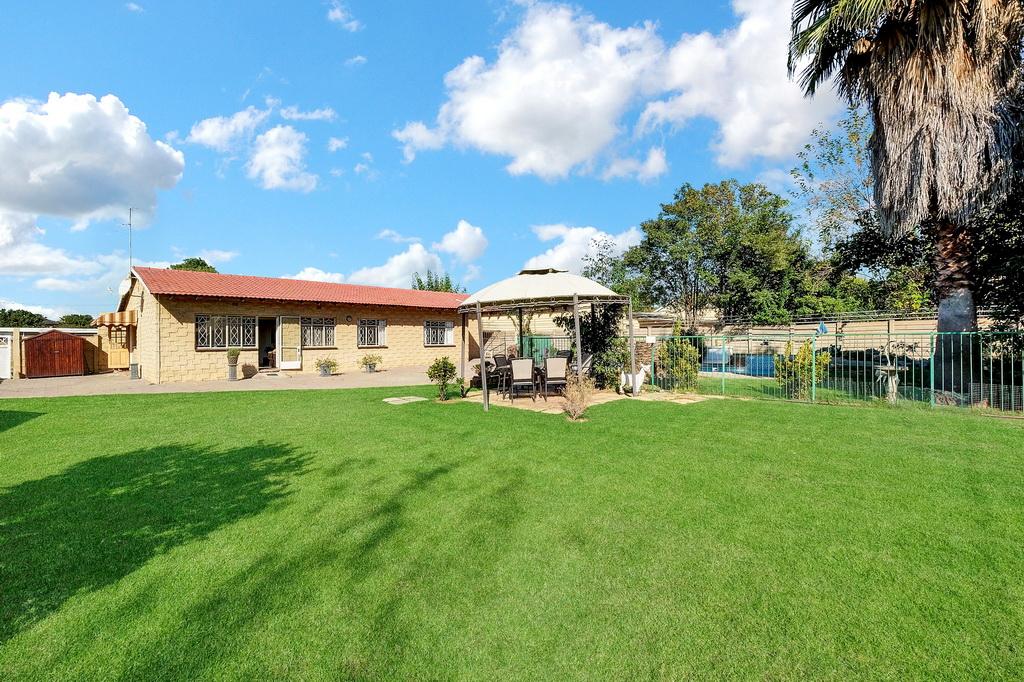 3 BedroomHouse For Sale In Brackenhurst