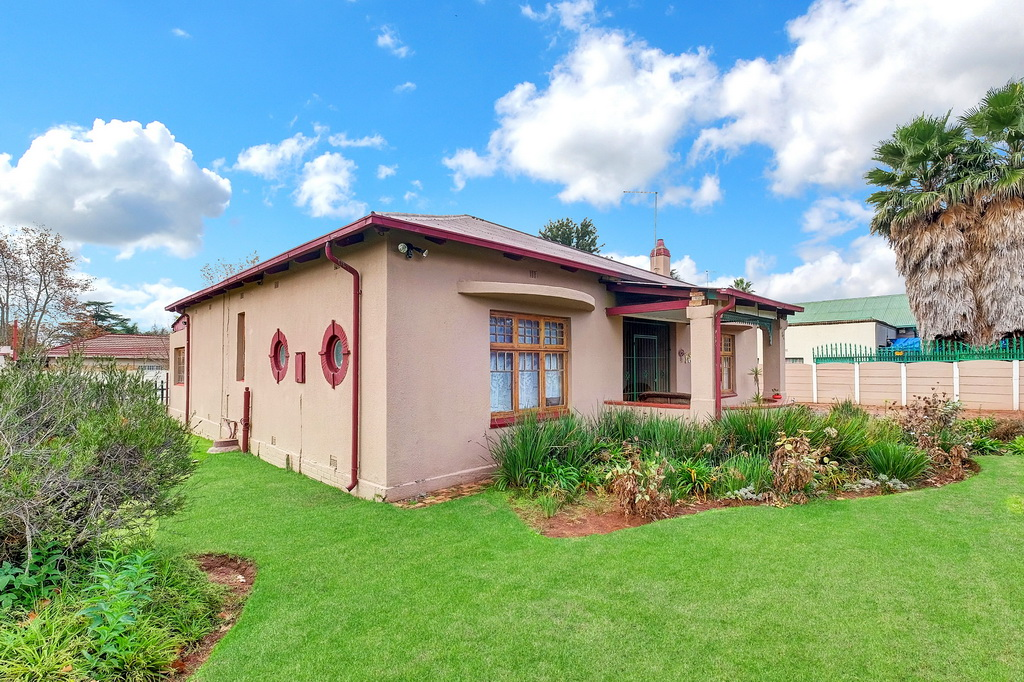 2 BedroomHouse For Sale In Brakpan Central