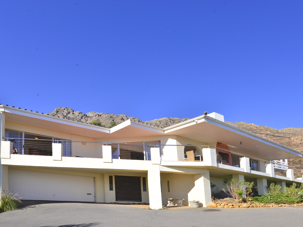 5 BedroomHouse For Sale In Gordon Heights