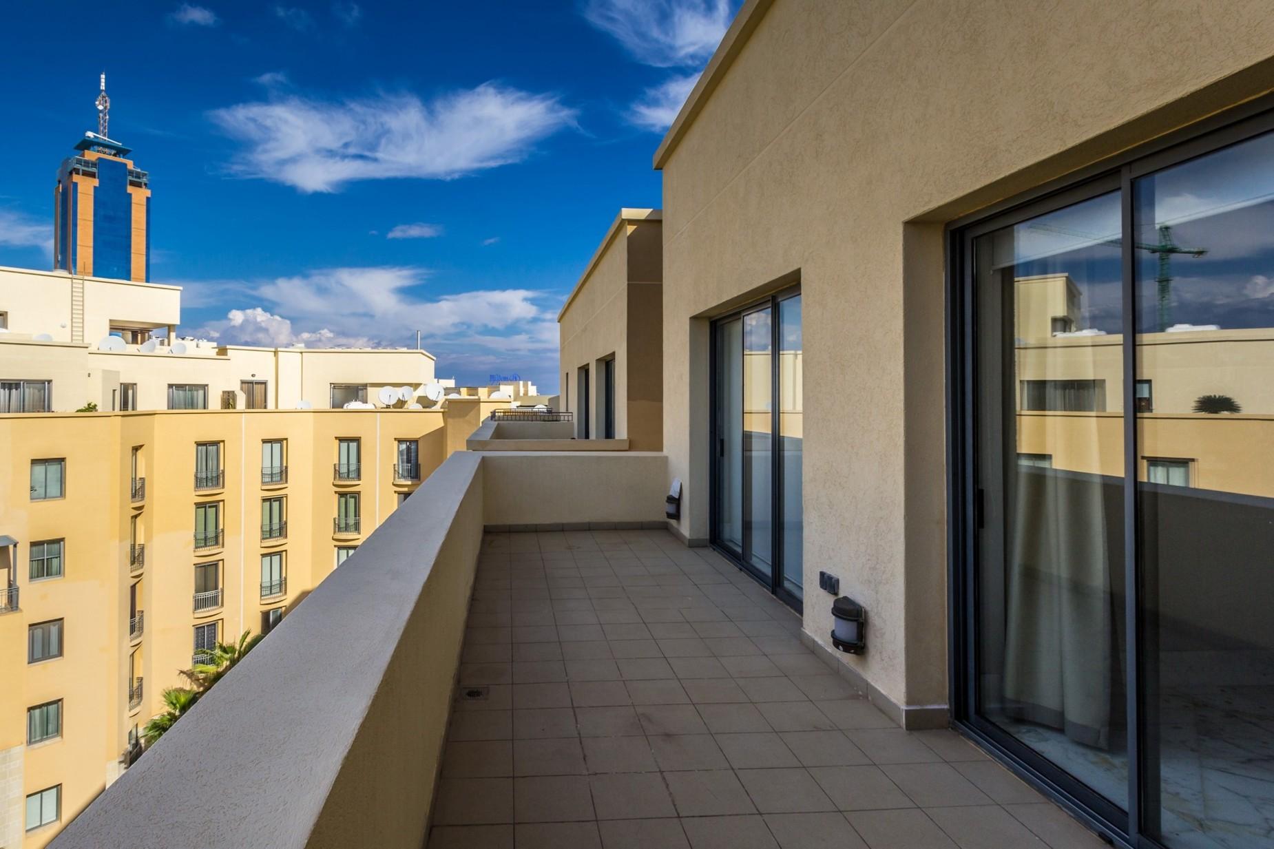 3 bed Penthouse For Sale in St Julian's, St Julian's - thumb 14