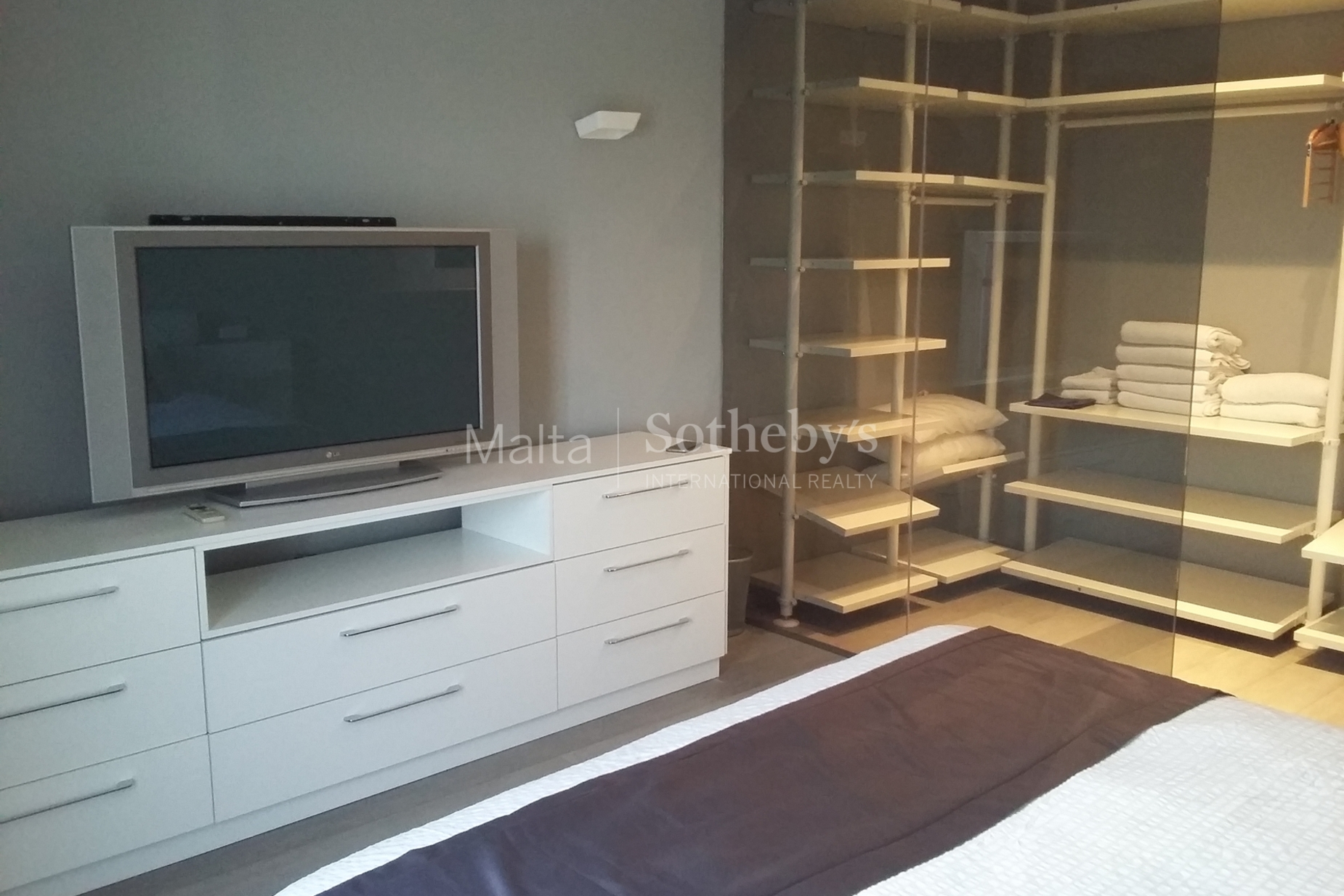 4 bed Penthouse For Rent in Sliema, Sliema - thumb 16