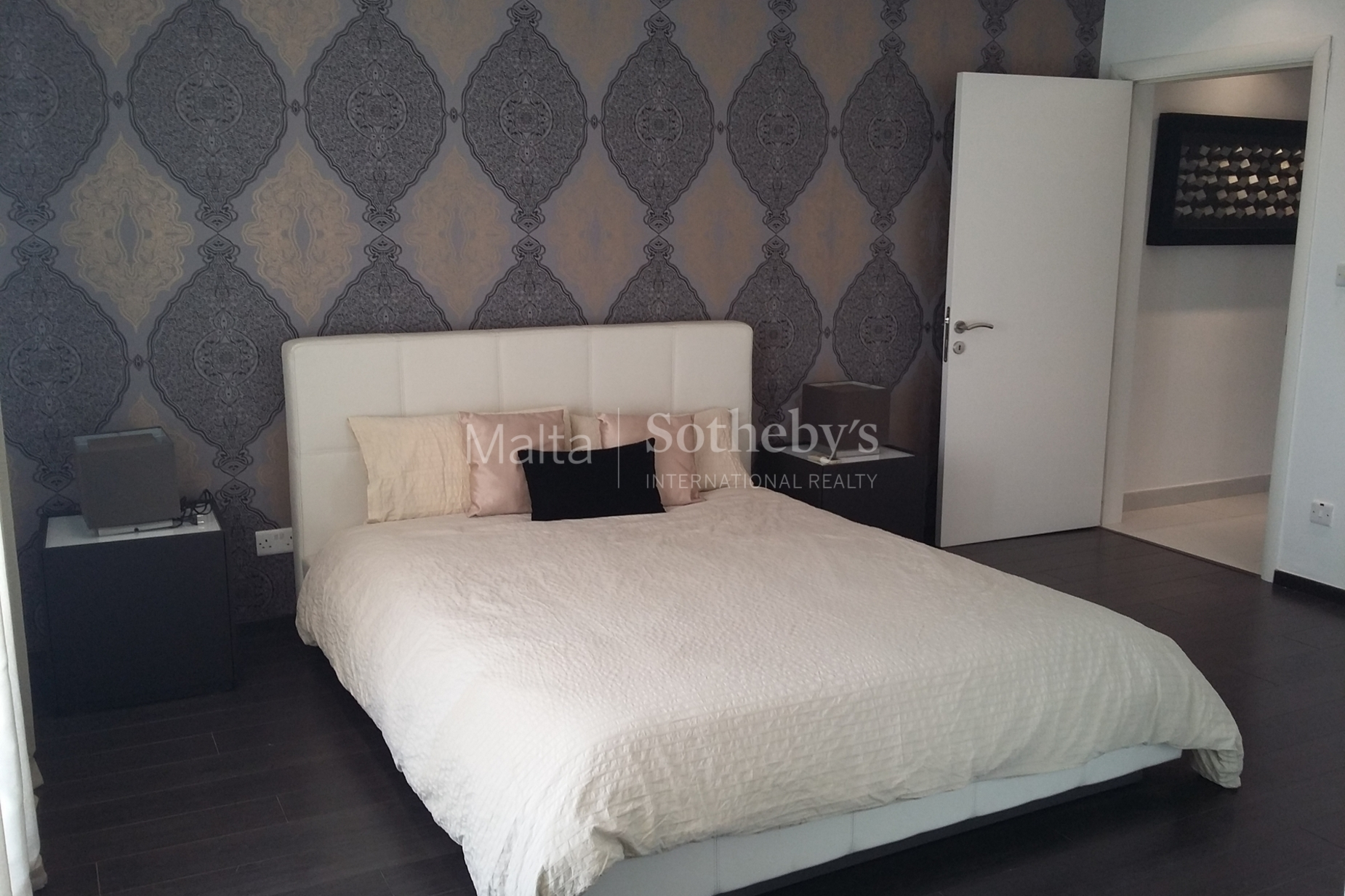 4 bed Penthouse For Rent in Sliema, Sliema - thumb 11