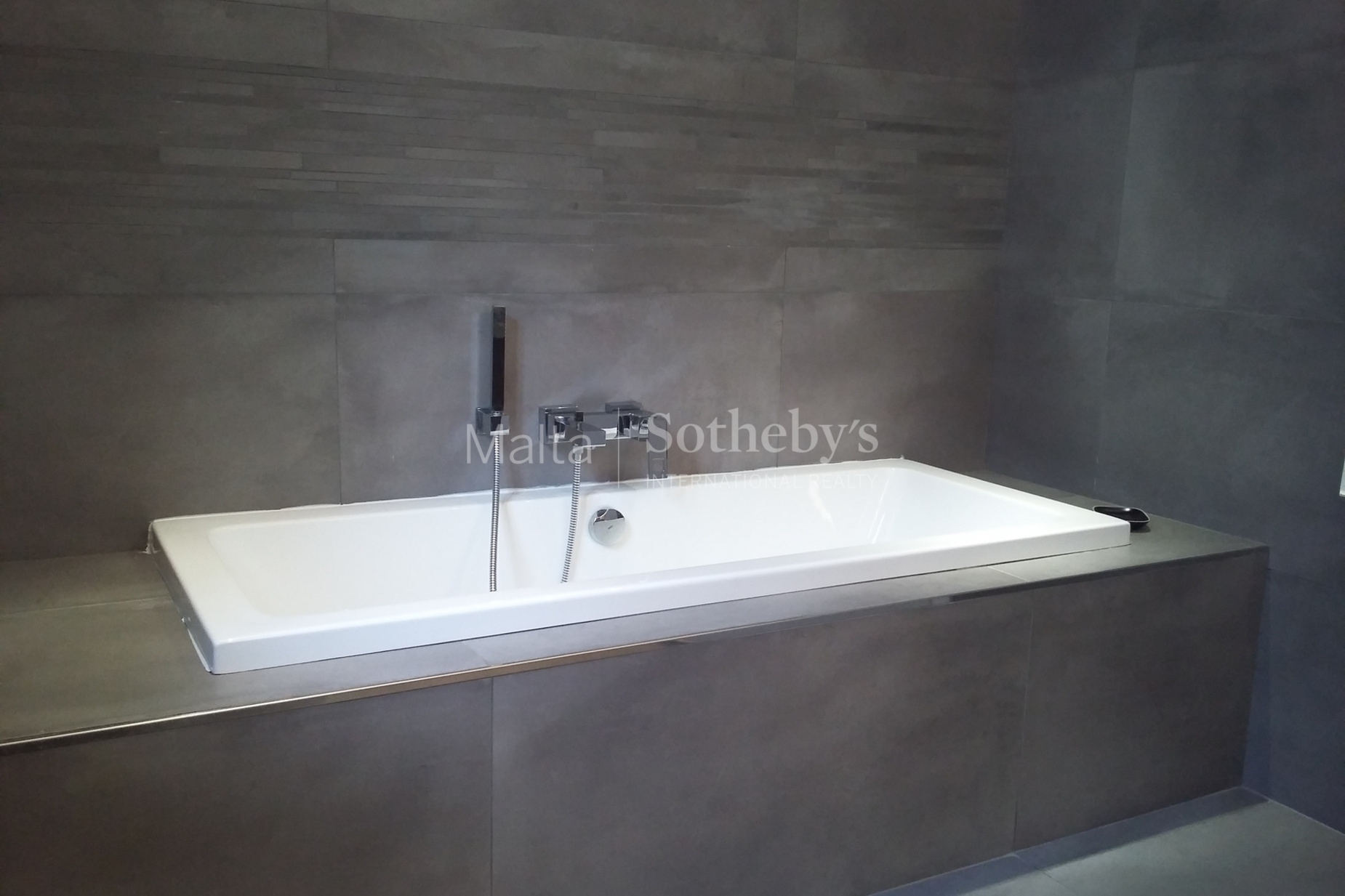 4 bed Penthouse For Rent in Sliema, Sliema - thumb 14
