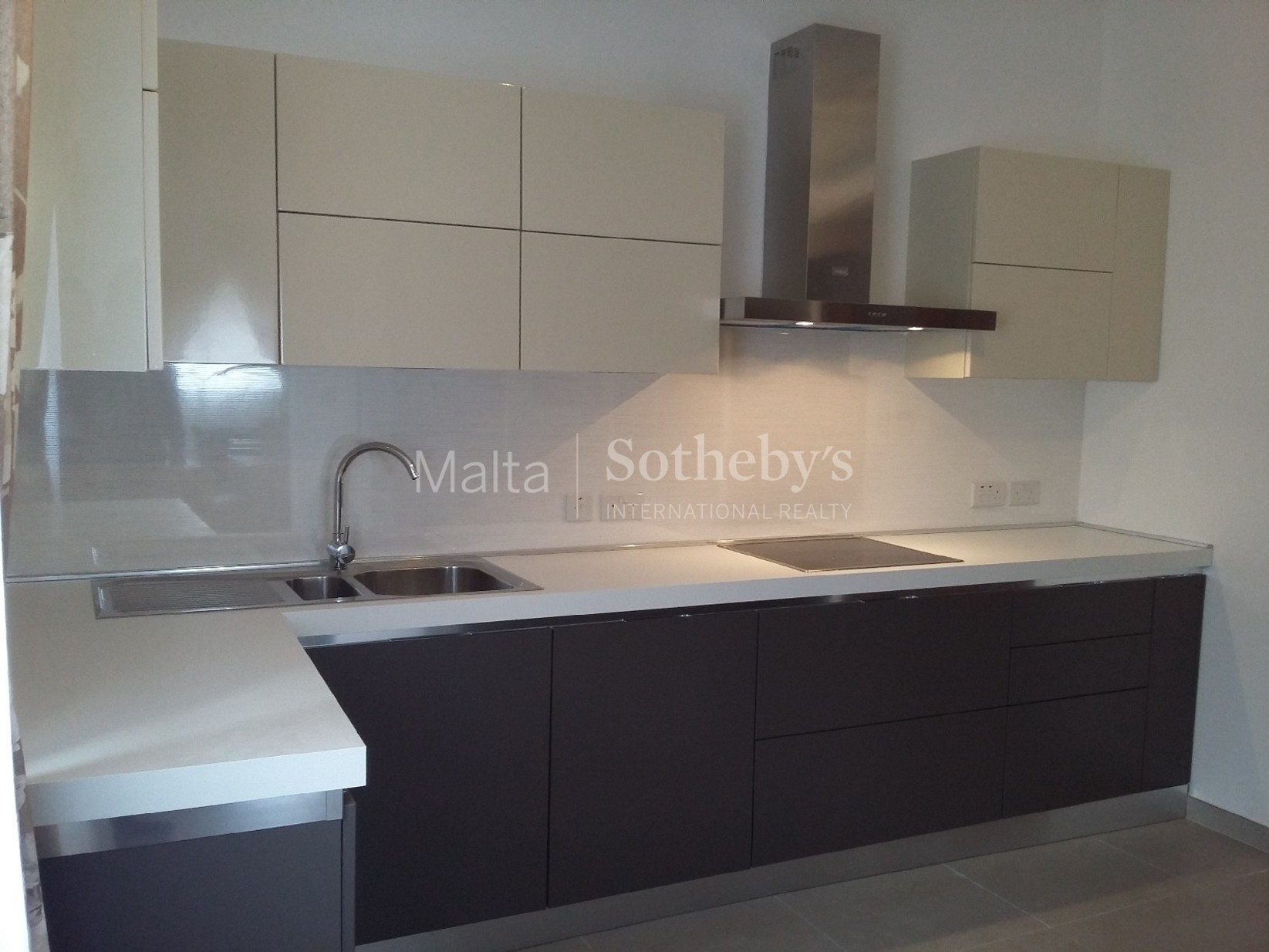 3 bed Apartment For Rent in St Julian's, St Julian's - thumb 3