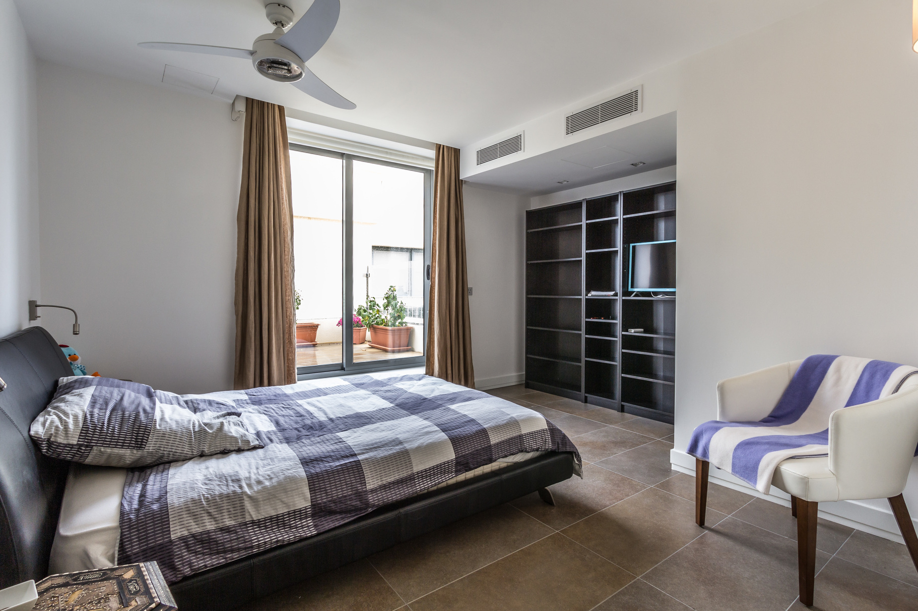 3 bed Penthouse For Rent in St Julian's, St Julian's - thumb 17