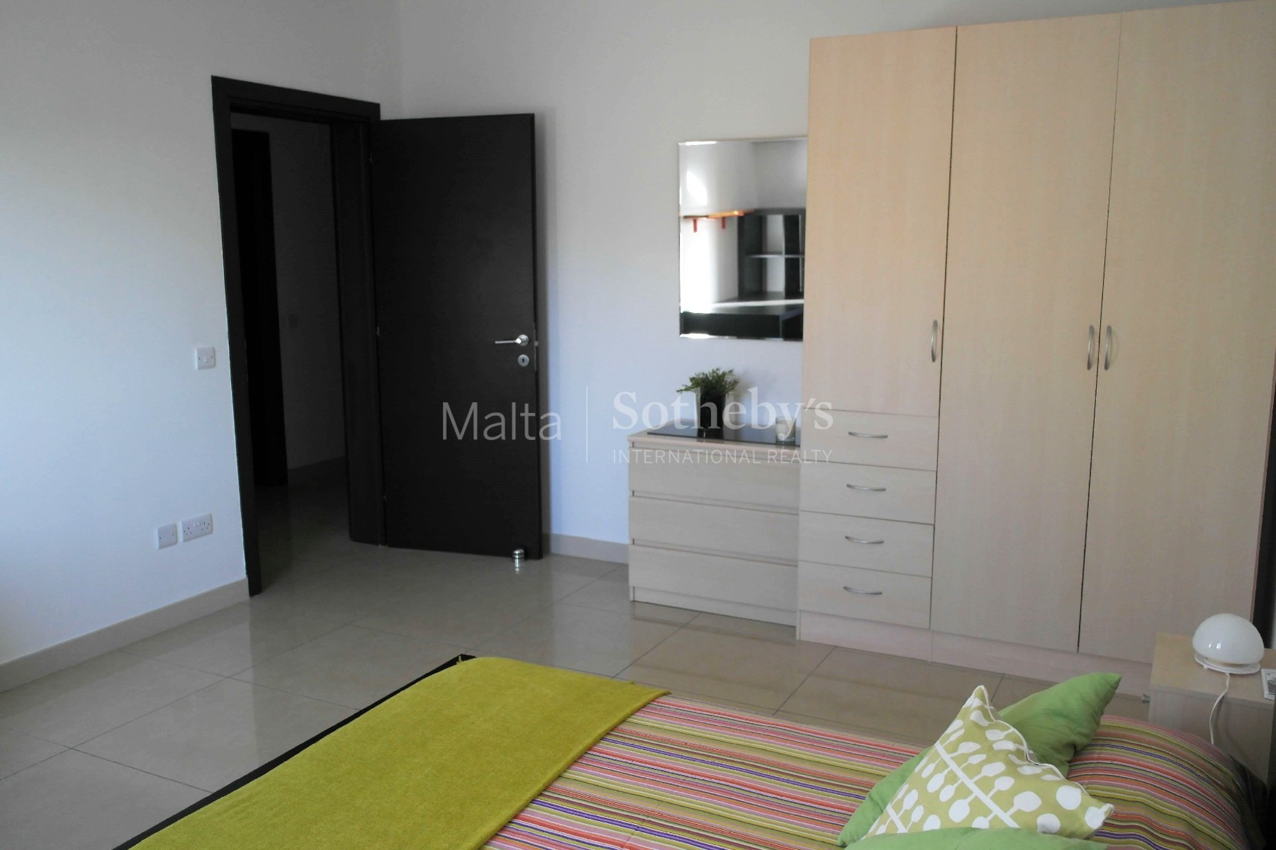 3 bed Apartment For Rent in Gzira, Gzira - thumb 12
