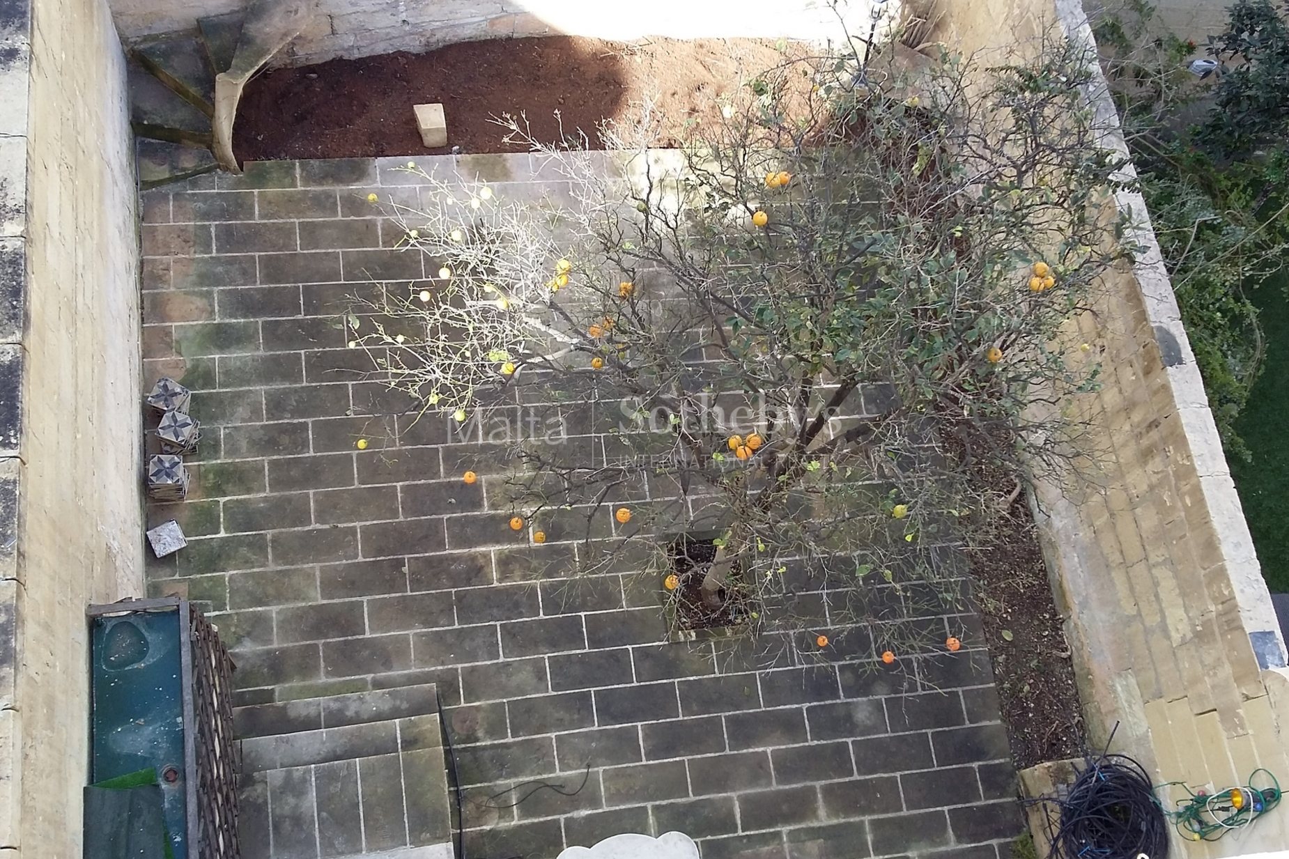4 bed Town House For Rent in Sliema, Sliema - thumb 10