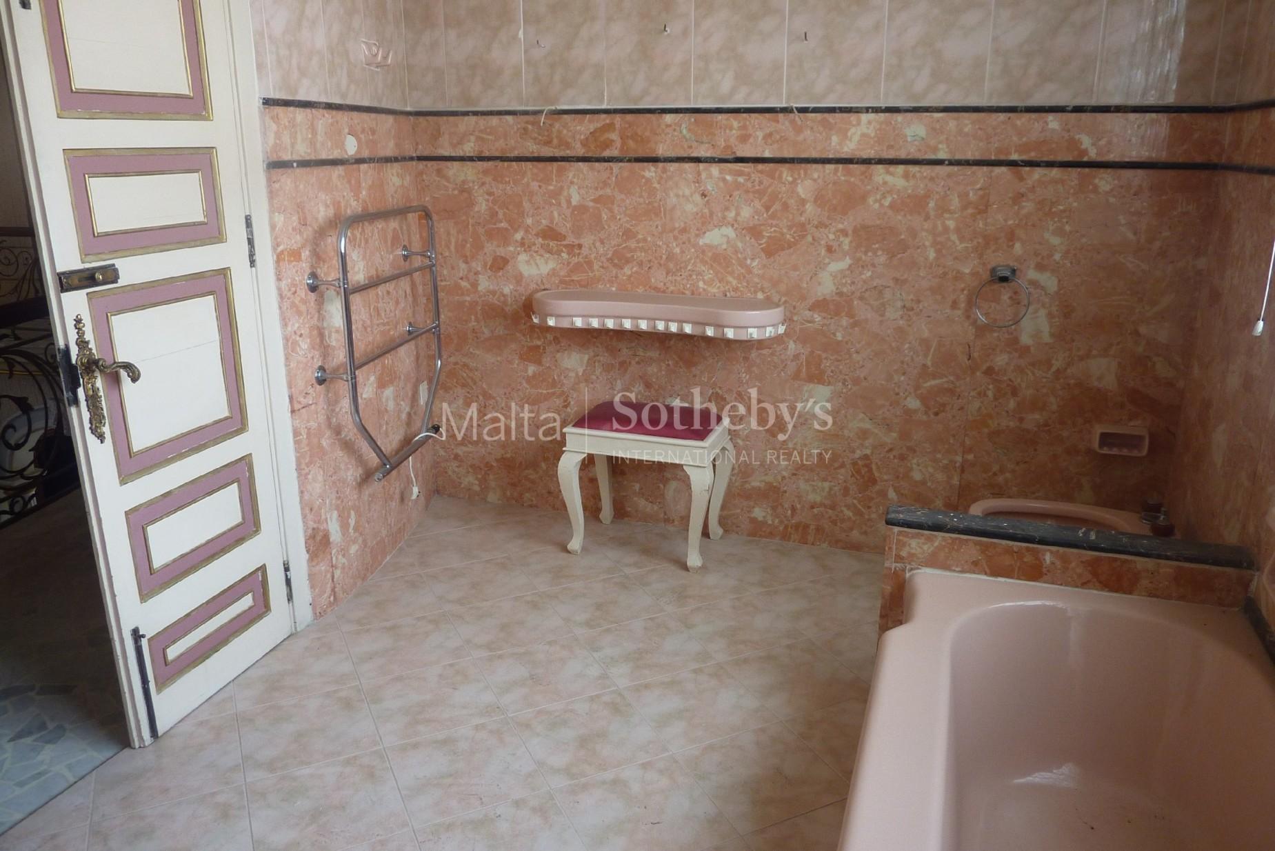 5 bed Villa For Sale in Balzan, Balzan - thumb 8