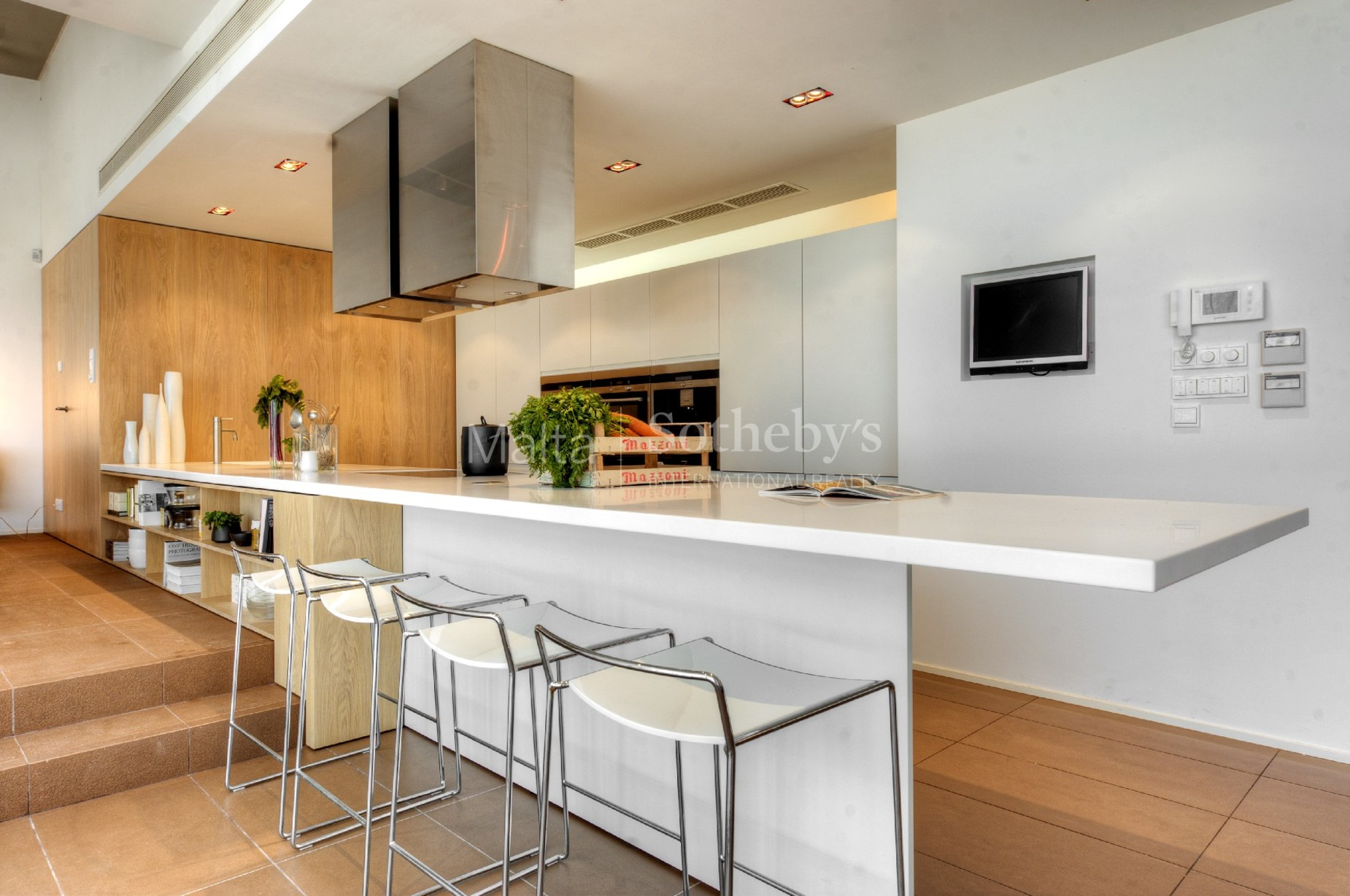 3 bed Villa For Rent in Bahar ic-Caghaq, Bahar ic-Caghaq - thumb 7