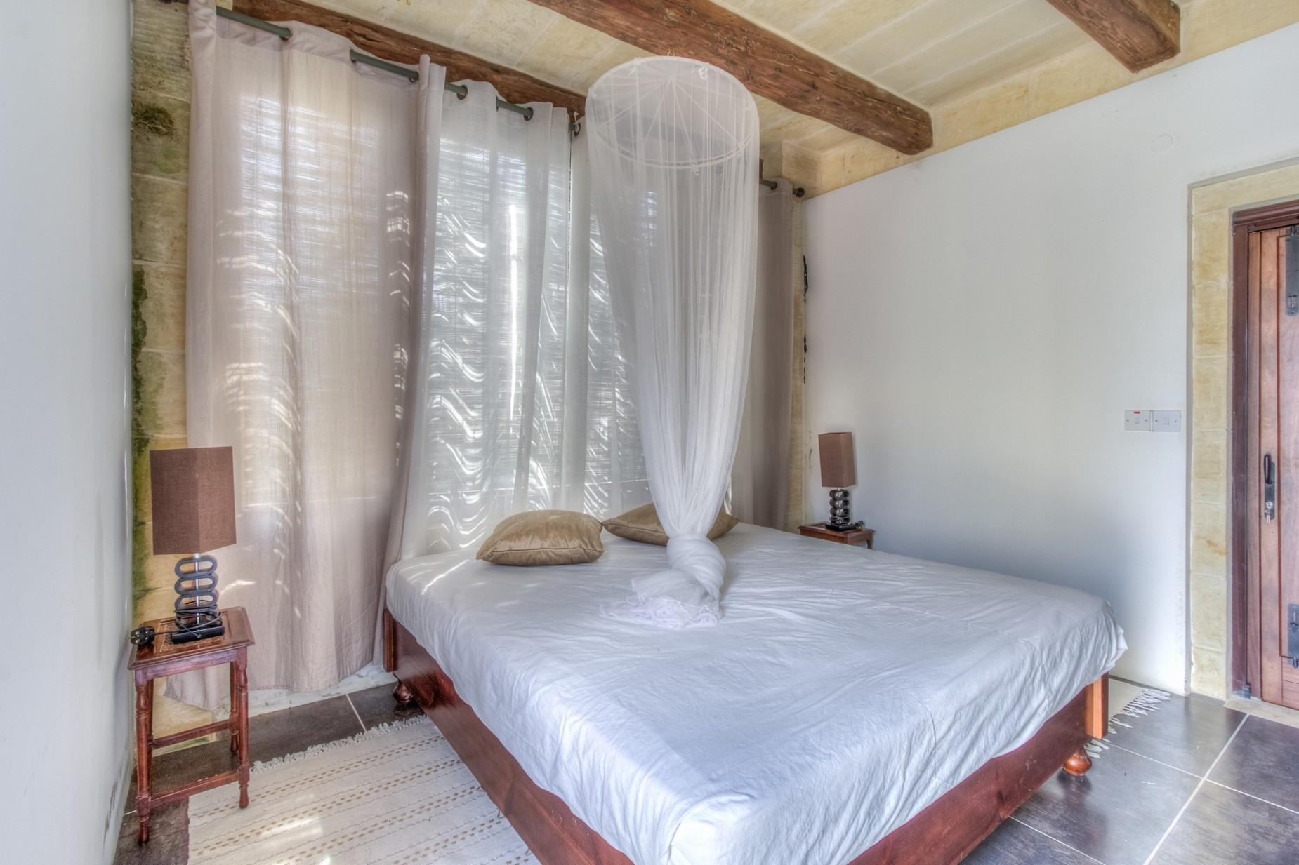 6 bed Farmhouse For Sale in San Lawrenz, San Lawrenz - thumb 18
