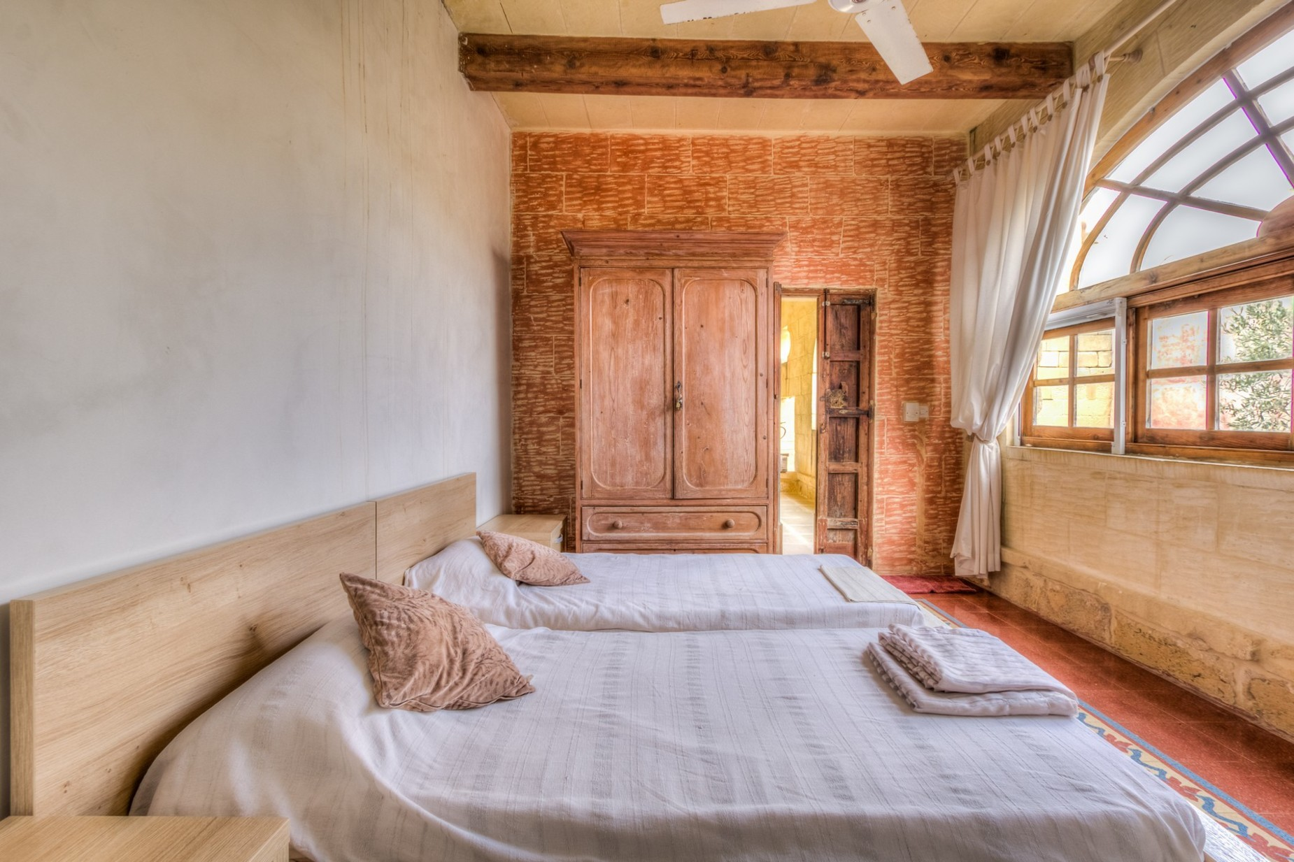 6 bed Farmhouse For Sale in San Lawrenz, San Lawrenz - thumb 19