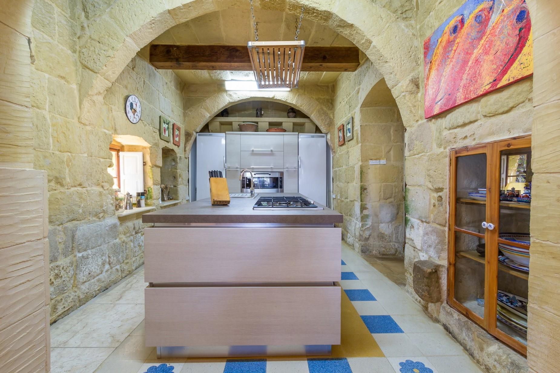 6 bed Farmhouse For Sale in San Lawrenz, San Lawrenz - thumb 13
