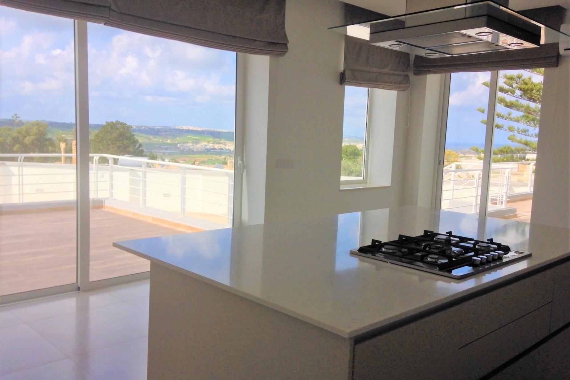 4 bed Villa For Rent in Naxxar, Naxxar - thumb 8