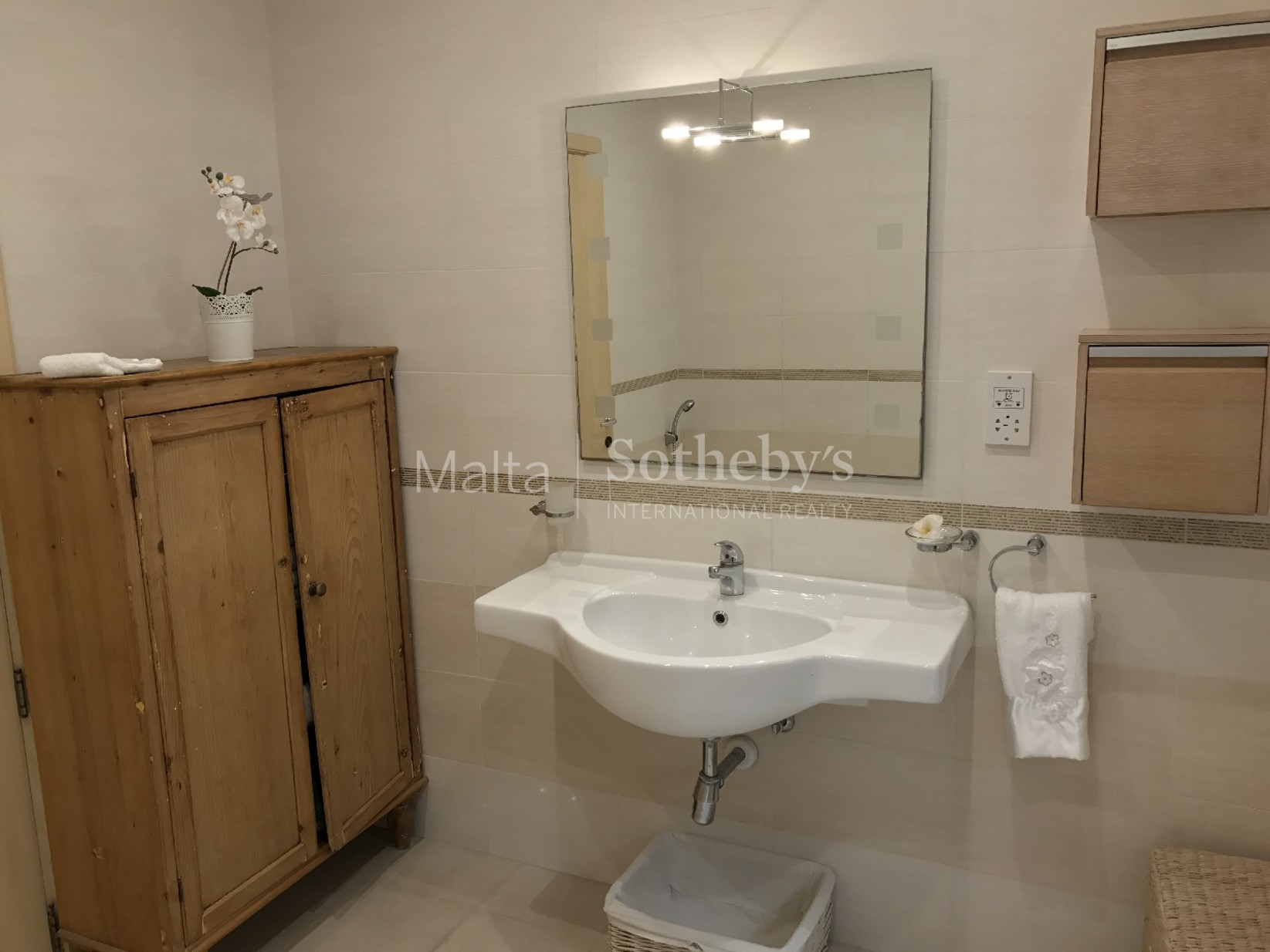 3 bed Apartment For Rent in Ibragg, Ibragg - thumb 11