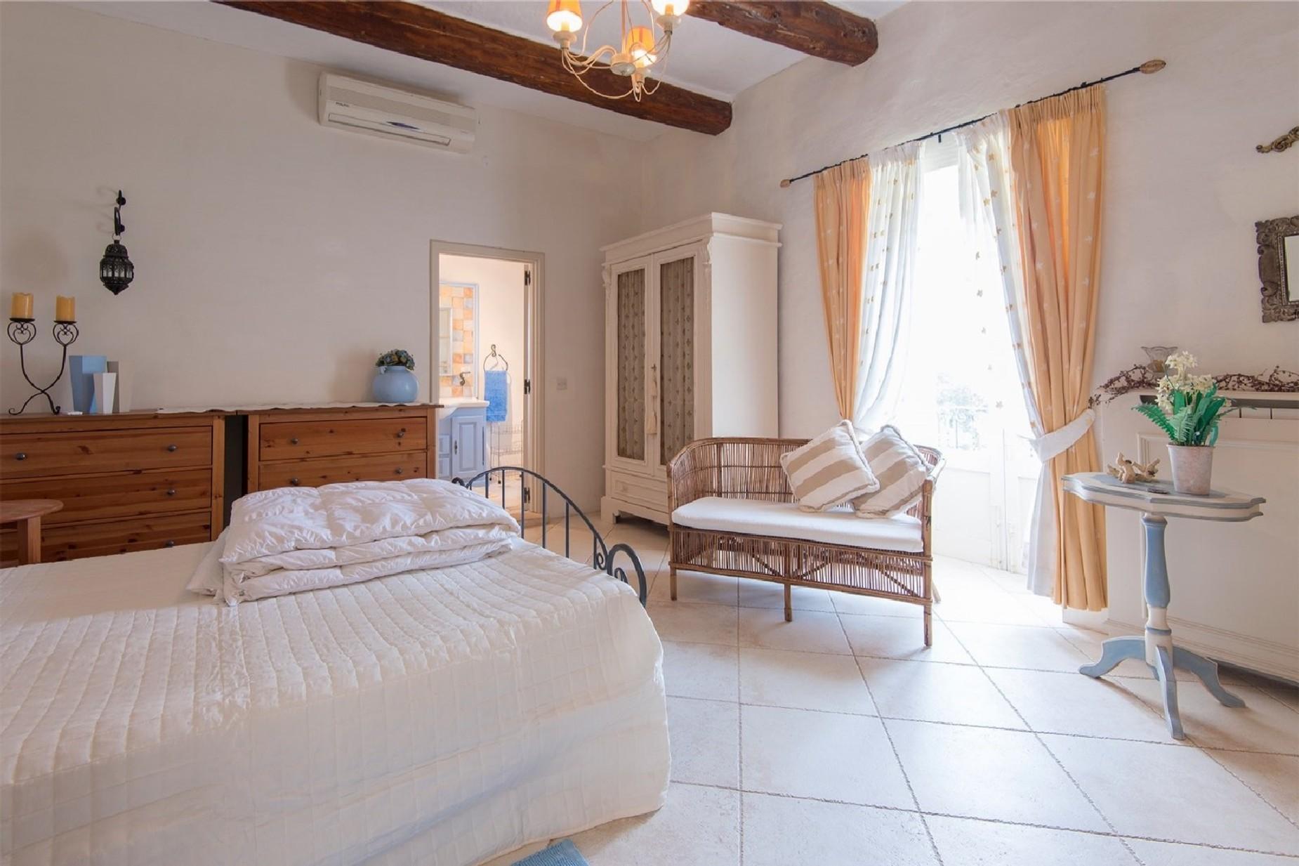 3 bed House of Character For Rent in Wardija, Wardija - thumb 9