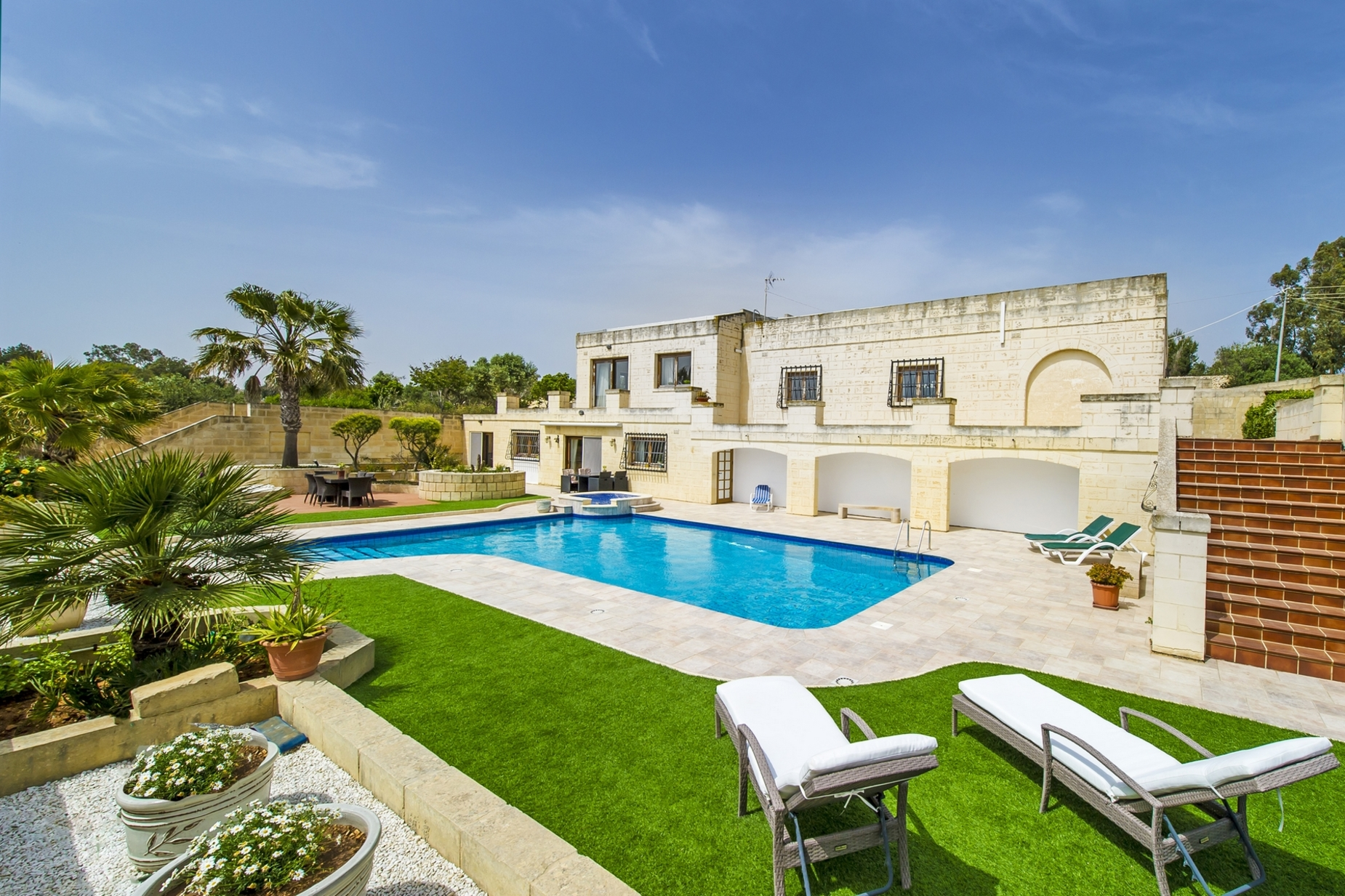 3 bed Villa For Sale in Mosta, Mosta - thumb 2