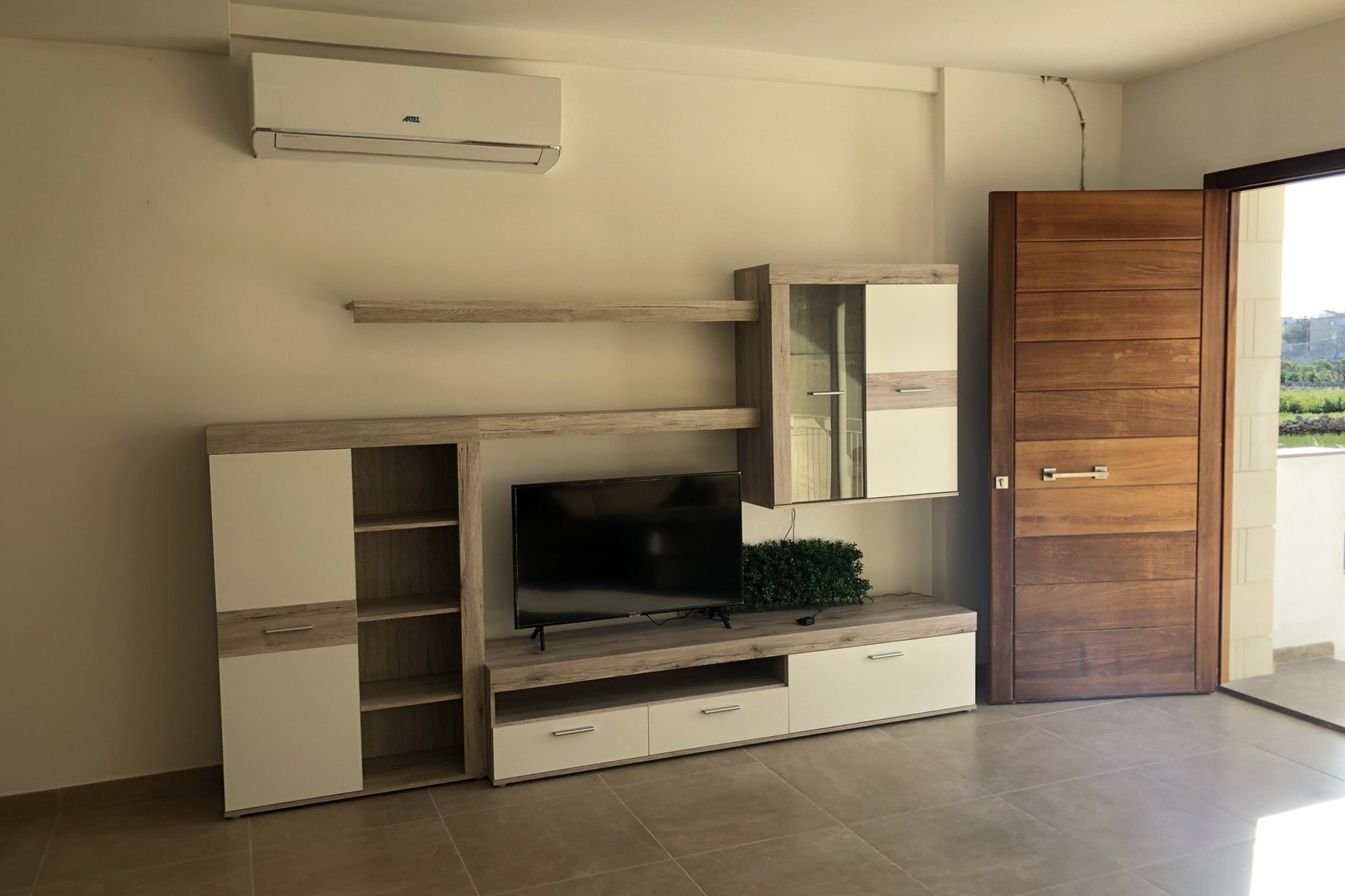 2 bed Maisonette For Rent in Bahar ic-Caghaq, Bahar ic-Caghaq - thumb 2