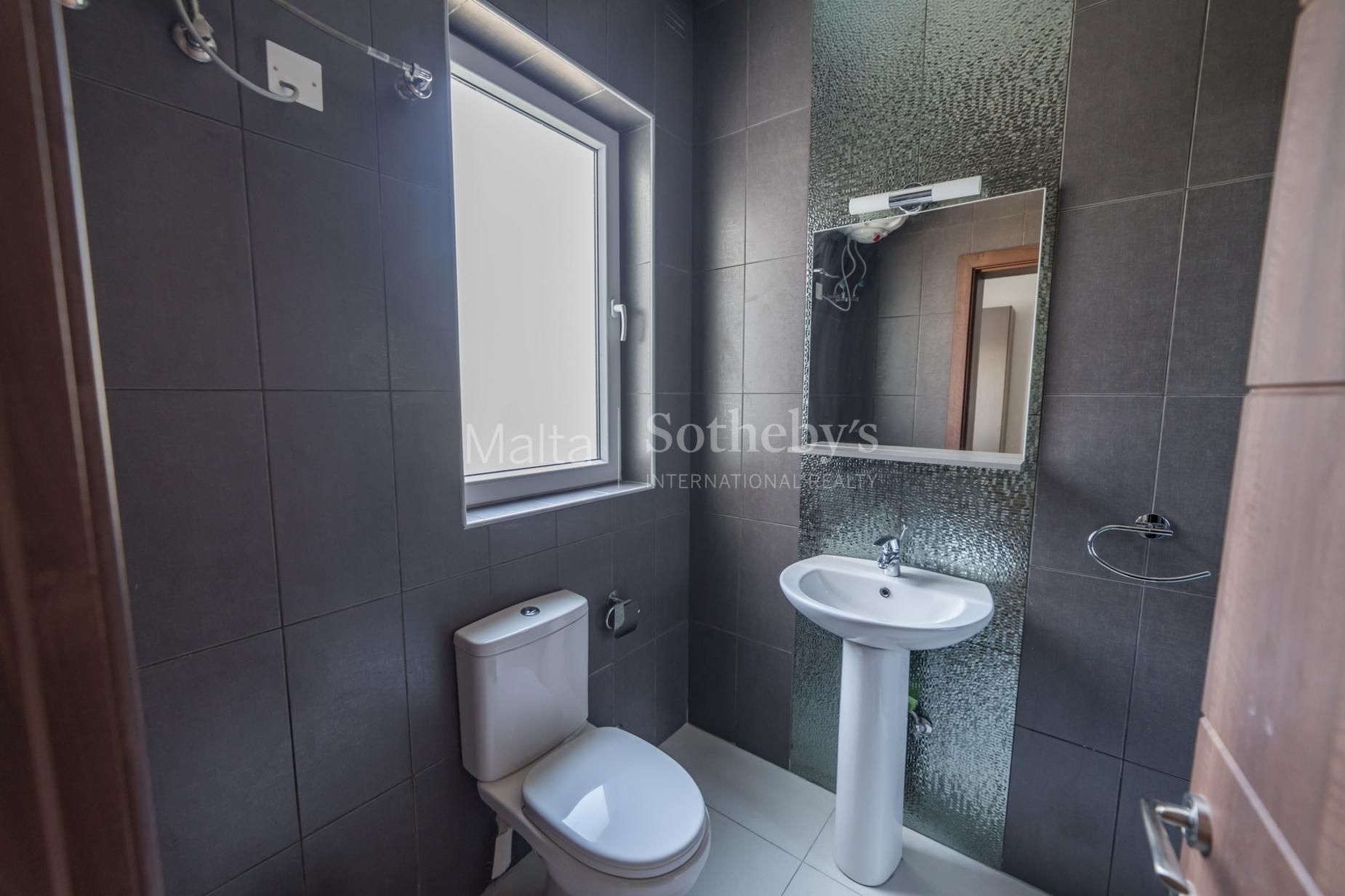 0 bed Apartment For Rent in Gzira, Gzira - thumb 8