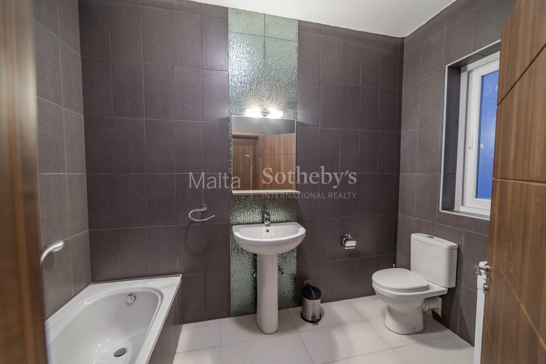 0 bed Apartment For Rent in Gzira, Gzira - thumb 13