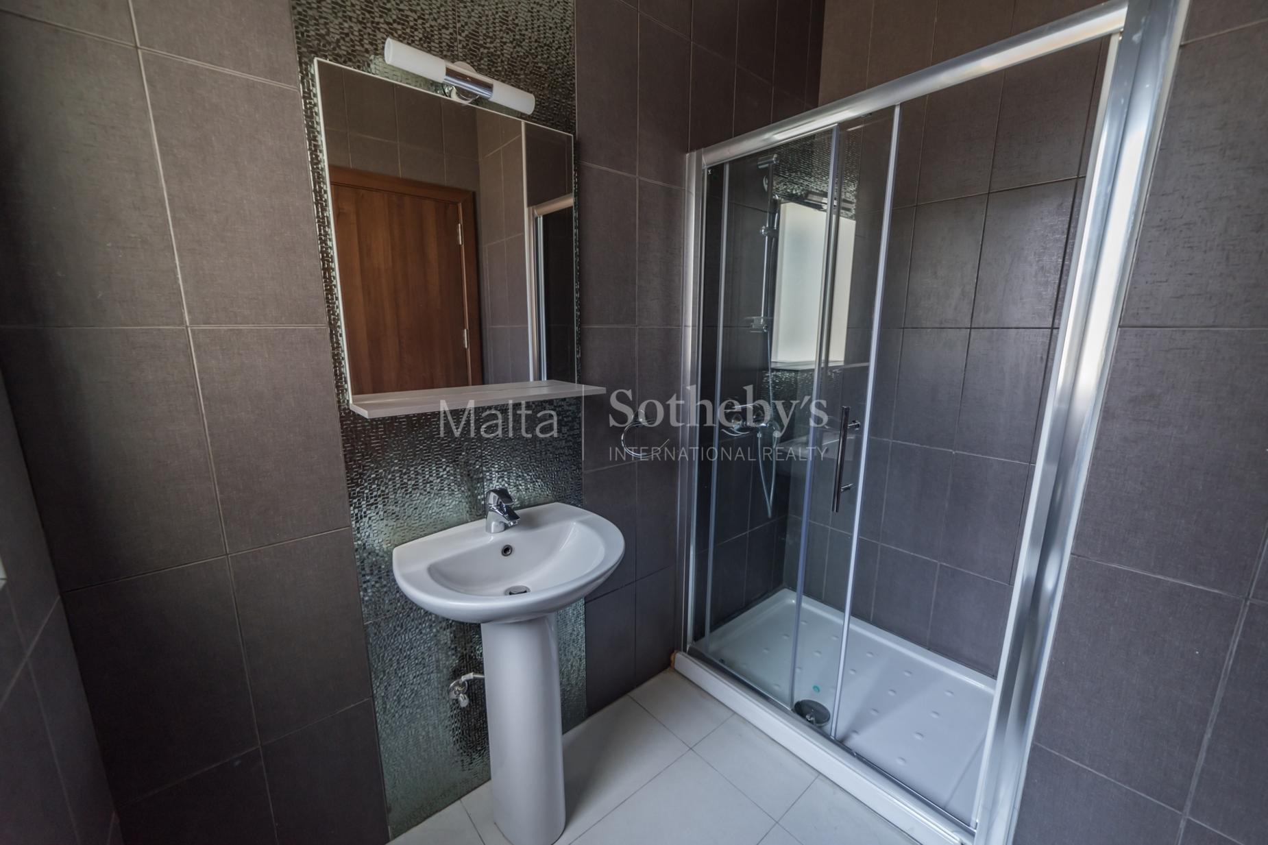 0 bed Apartment For Rent in Gzira, Gzira - thumb 10