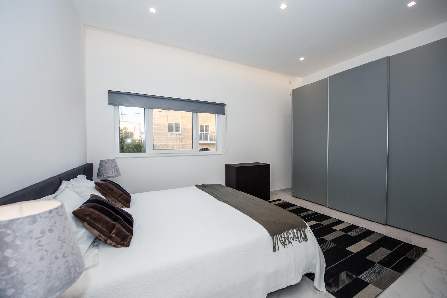 2 bed Maisonette For Rent in St Julian's, St Julian's - thumb 5