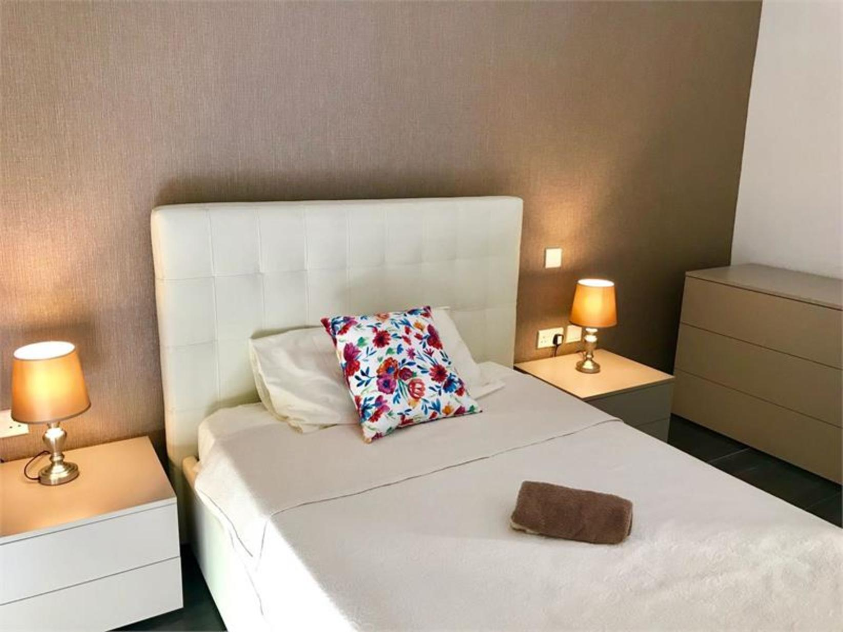 2 bed Apartment For Rent in Gzira, Gzira - thumb 9