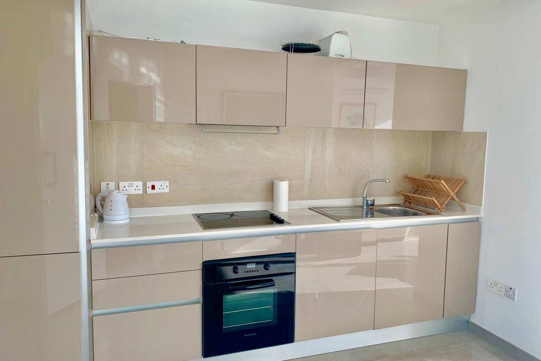 1 bed Penthouse For Rent in Sliema, Sliema - thumb 11
