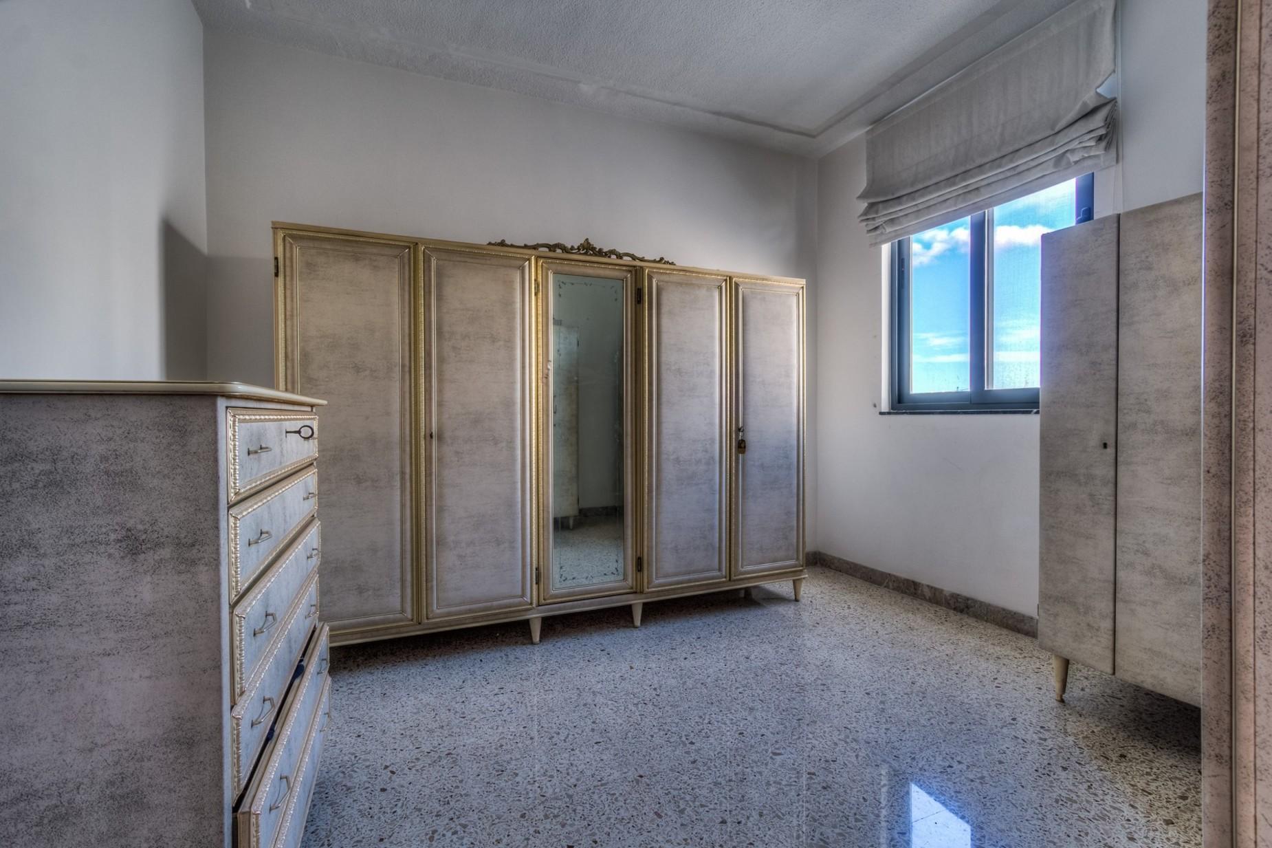 4 bed Villa For Rent in Ta' Xbiex, Ta' Xbiex - thumb 11