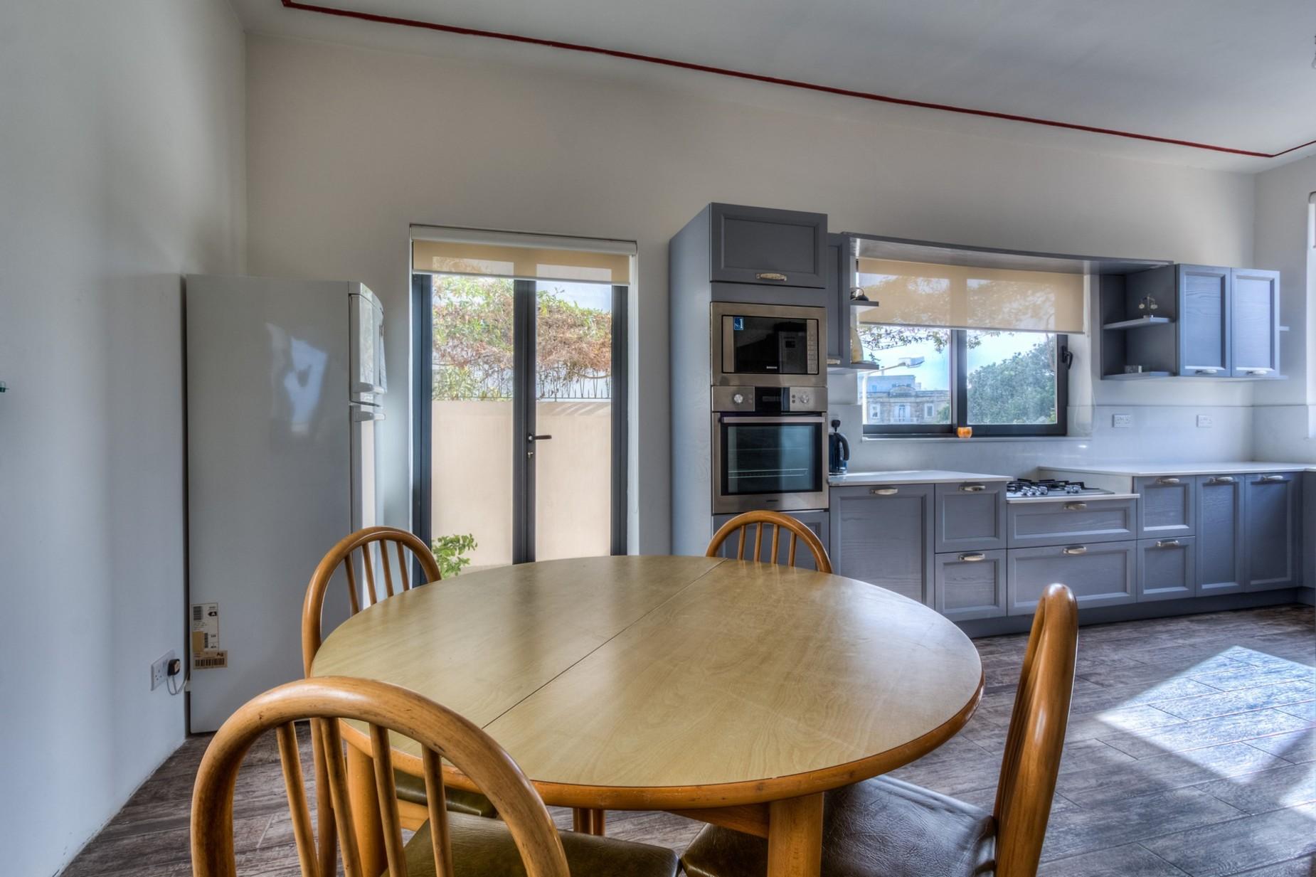 4 bed Villa For Rent in Ta' Xbiex, Ta' Xbiex - thumb 5