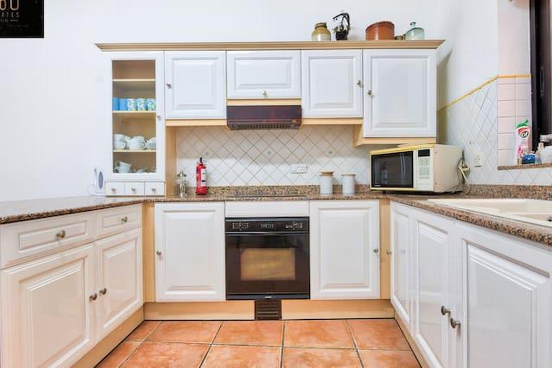 4 bed Apartment For Rent in St Julian's, St Julian's - thumb 9